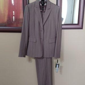 Tahari pants suit